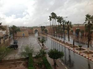 نشرة إنذارية: أمطار قوية مرتقبة بالعديد من مناطق المملكة