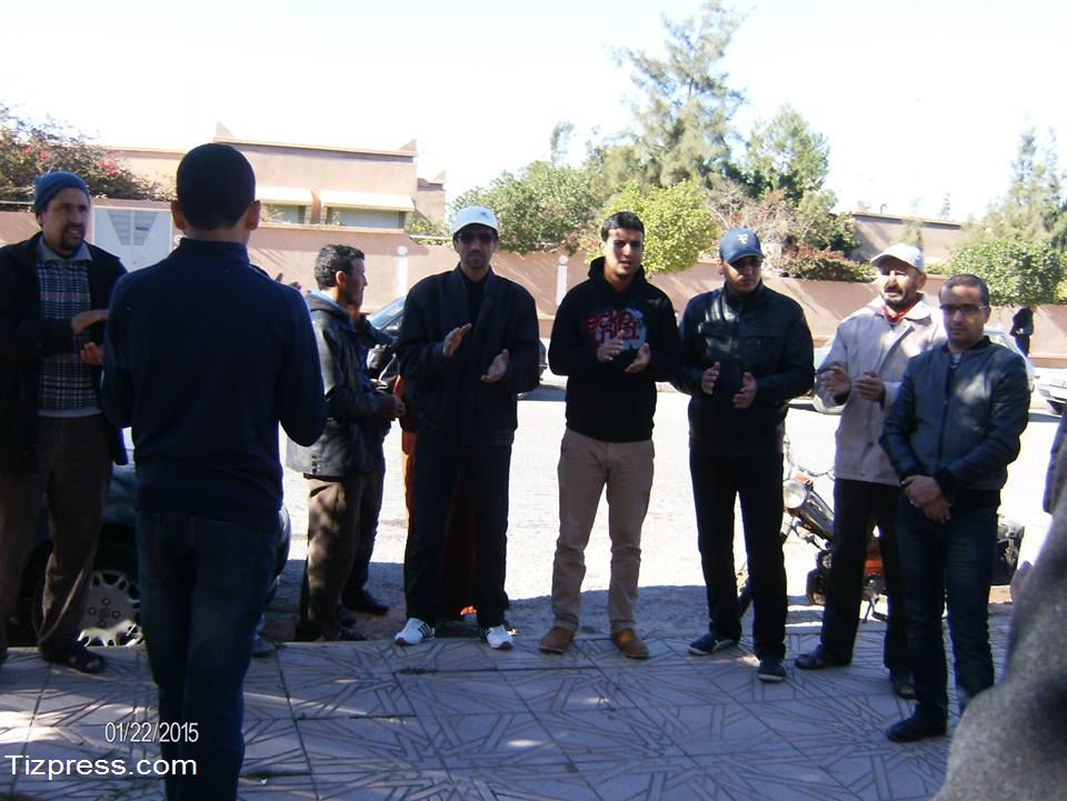 تيزنيت : وقفة احتجاجية أمام المحكمة الابتدائية بسبب اعتداءات الرعاة الرحل ( صور + فيديو )