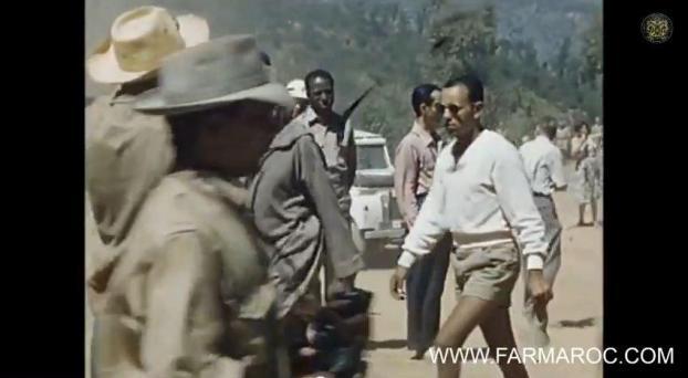 """بالفيديو : الحسن الثاني بـ""""الشُّورْتْ"""" مع بنبركة وأوفقير"""