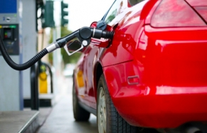 وزارة الوفا تعلن انخفاض أسعار المحروقات ابتداء من يوم غد فاتح فبراير
