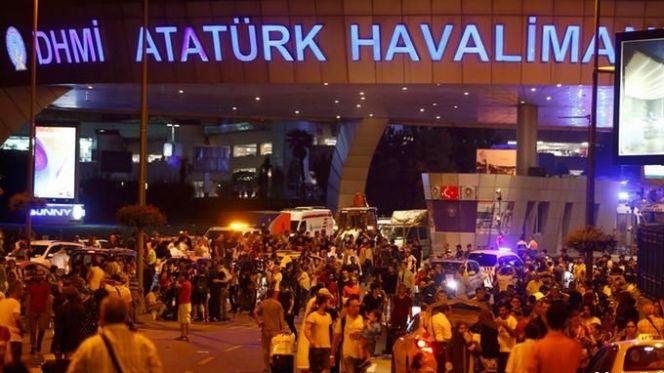 بالفيديو: شاهد لحظة تفجير مطار أتاتورك