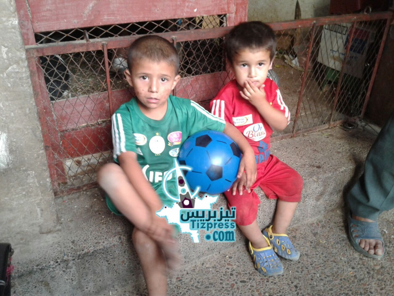 تيزنيت : النيابة العامة تُعيد الطفلين « هشام» و «مروان»  إلى صناديقهما الخشبية بشارع سيدي عبد الرحمان