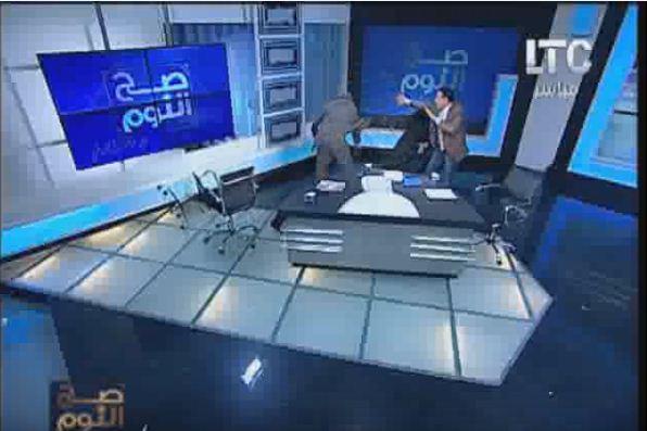بالفيديو: شجار عنيف بين إمام ومحام مصري بسبب الحجاب