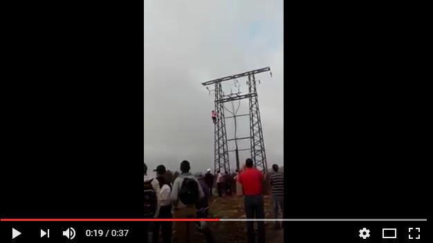 أكادير : بالفيديو .. فتاة تهدد بالانتحار من أعلى عمود كهربائي
