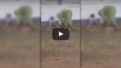 بالفيديو: مشردة تخدر أطفالها قبل الخروج للتسول