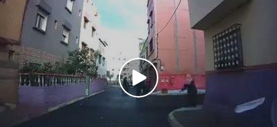 """بالفيديو : عملية """"كريساج"""" بسيف في واضحة النهار بالبيضاء"""