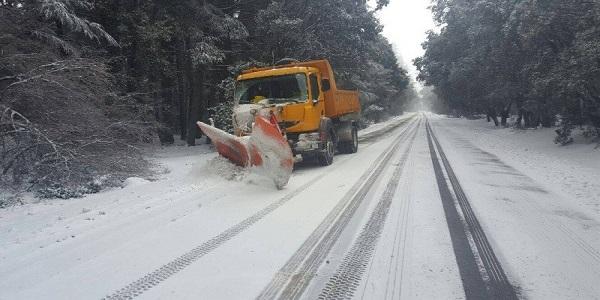 بلاغ هام من وزارة النقل لمستعملي الطريق بسبب التساقطات الثلجية