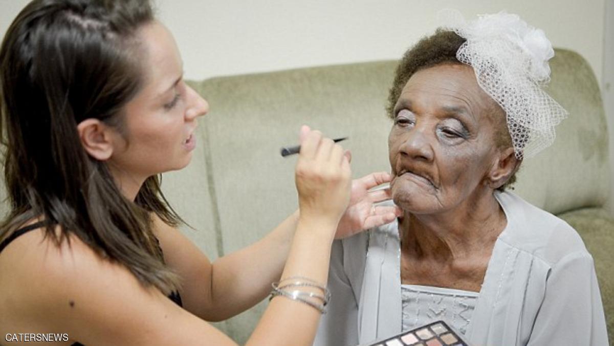 عمرها 106 سنوات وتصر على الزواج رغم تحذير الاطباء