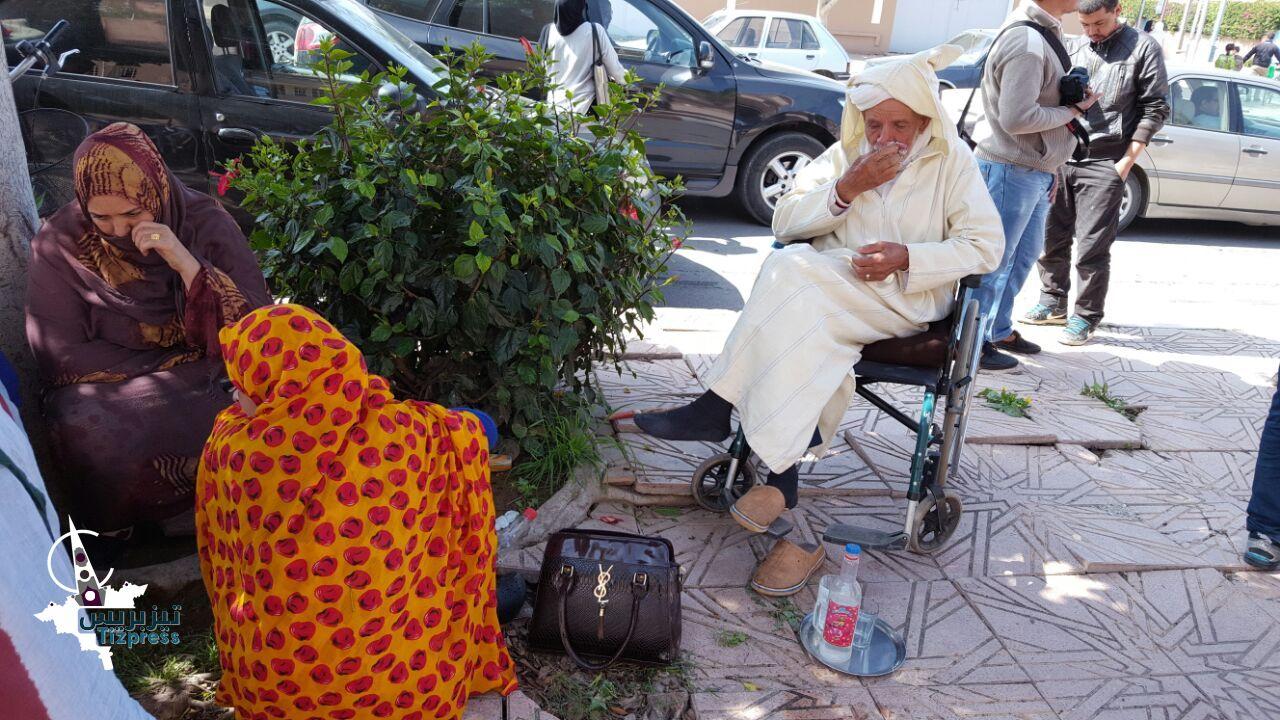 """تيزنيت : وقفة تضامنية أمام محكمة تيزنيت مع الشيخ الثمانيني """" محمد أماغو """""""