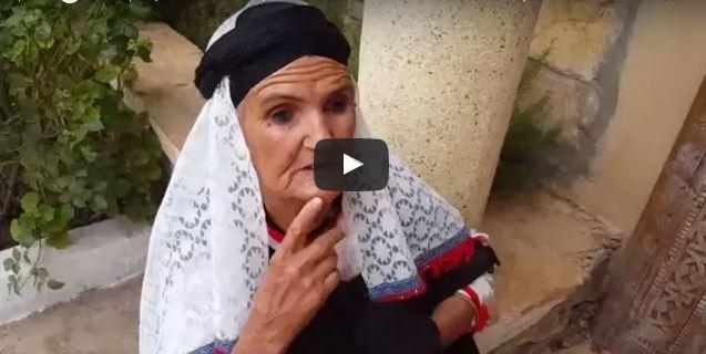 """تارودانت : بالفيديو ..تكريم سيدة كانت تشغل منصب """" أمينة """" المخازن الجماعية «إيكودار» بمنطقة إغرم"""