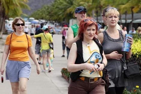 إصابة ثلاثة سياح أجانب بجروح طفيفة في حادثة سير بأكادير