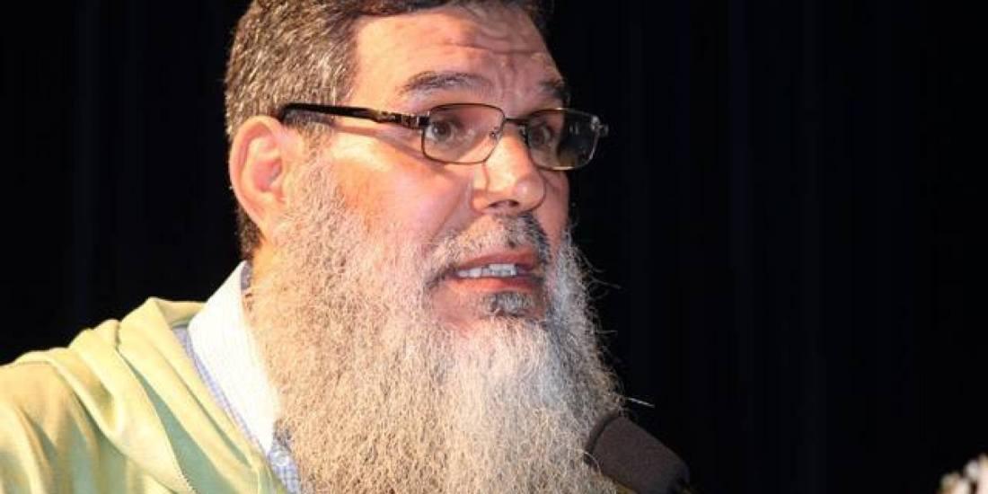 """انباء عن اعفاء الشيخ الفيزازي من امامة المسلمين بعد شبهة """"زواج الفاتحة"""""""