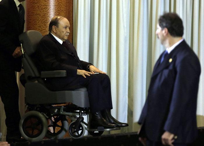 3 شخصيات جزائرية بارزة تدعو لإقالة بوتفليقة من الرئاسة