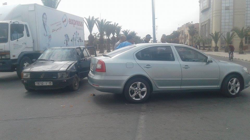تيزنيت : خسائر مادية في حادث اصطدام سيارتين خفيفتين