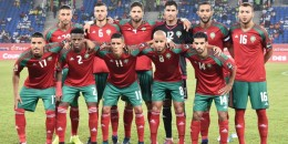 Morocco's squad (back L-R) forward Aziz Bouhaddouz, midfielder Romain Saiss, defender Manuel Da Costa, goalkeeper Munir Mohand Mohamedi, defender Mehdi Benatia, forward Omar El Kaddouri, (L-R) midfielder Nabil Dirar, defender Hamza Mendyl, midfielder Faycal Fajr, midfielder Karim El Ahmadi and midfielder Mbarek Boussoufa pose for a group picture ahead of the 2017 Africa Cup of Nations group C football match between Morocco and Togo in Oyem on January 20, 2017. / AFP PHOTO / ISSOUF SANOGO