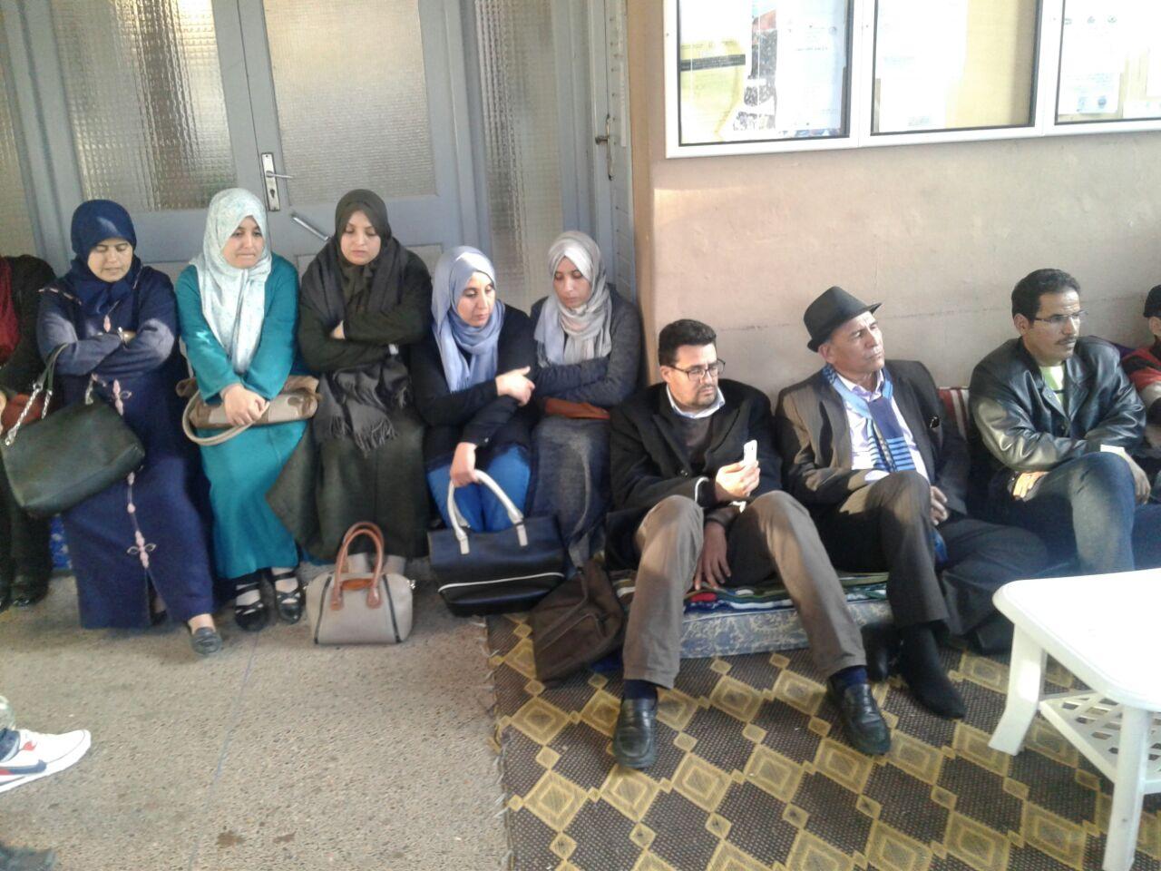 تيزنيت : بعد 35 يوم من الإعتصام و الإحتجاج داخل بهو مديرية التعليم  ..المكتب الوطني لــ CDT يعلن عن تعليق مؤقت للإعتصام و الإحتجاجات