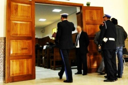 ادانة رجال أمن بالسجن بسبب الرشوة