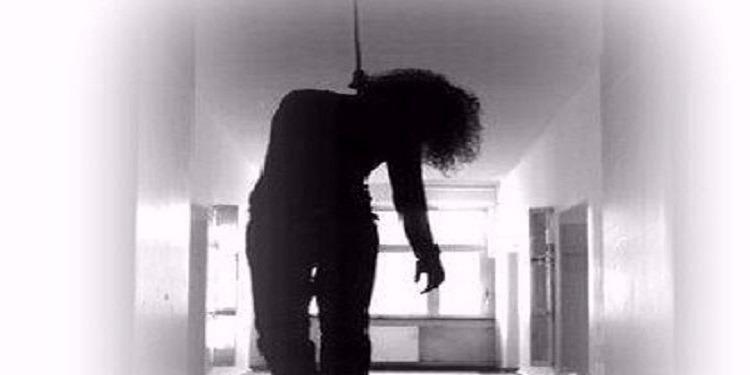 أكادير :في محاولة للإنتحار ..مُتقاضية تربط عنقها بحبل مع سارية في الطابق الأول من محكمة الإستئناف