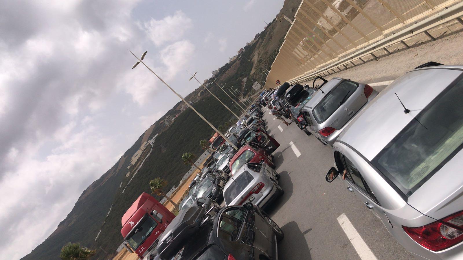 فيديو ..ازدحام شديد في موانئ الشمال والمسافرون ينتظرون عشر ساعات للعبور