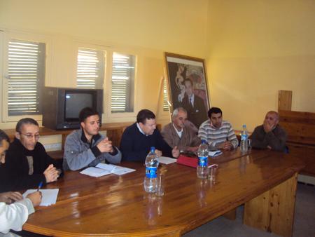 قافلة التحسيس بمشروع المغرب الأخصر تحط الرحال بمركز جماعة رسموكة