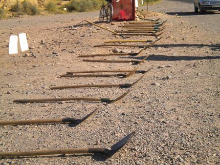إستمرار إعتصام عمال مقالع الرمال بوادي سوس