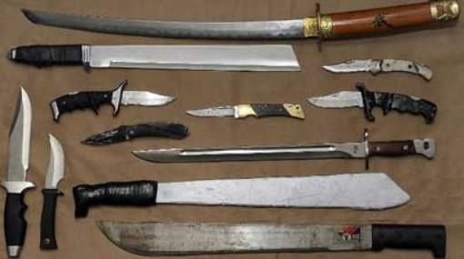 عصابة مدججة بالأسلحة البيضاء تهاجم حافلة للركاب وسرقة ركابها بأكادير