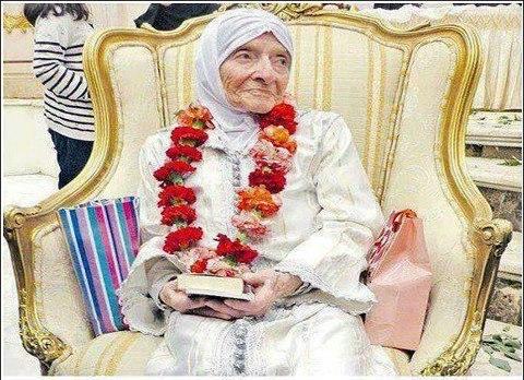 Une belge de 92 ans se convertit à l'Islam grace à une famille marocaine
