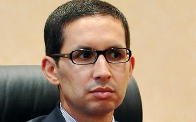 بنكيران غاضب من الكروج وزيره في الوظيفة العمومية