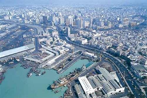 يحدث هذا في المغرب : راتب 15 مرشدا مائيا بميناء البيضاء يبلغ 20 مليون سنتيم للفرد في الشهر ؟؟؟؟؟؟
