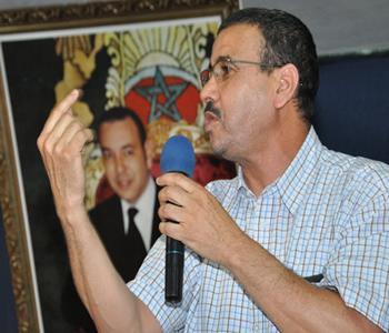 البرلماني عبد العزيز أفتاتي يتحدى المكتب السياسي للاتحاد الاشتراكي