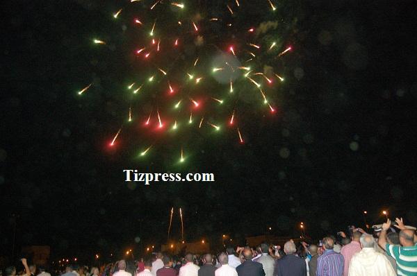 حفلة الشهب الاصطناعية تضيء سماء تيزنيت في السهرة الإفتتاحية لمهرجان تيميزار