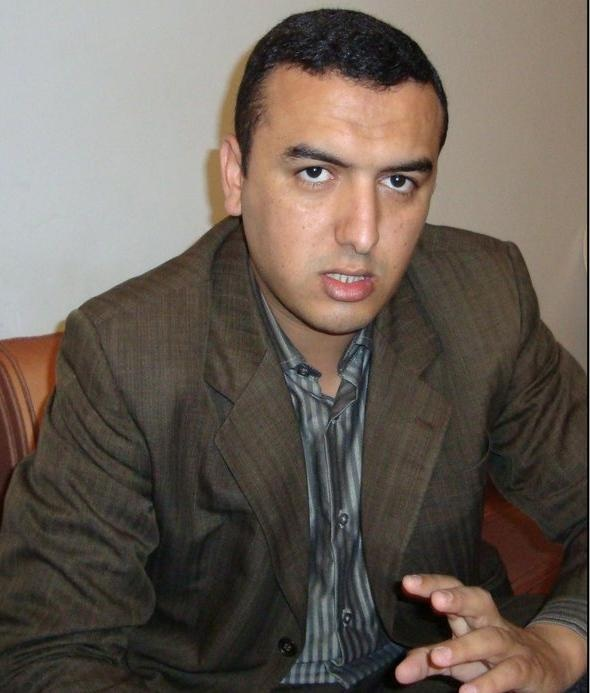 البرلماني محمد امكراز ينتقد عدم توشيح الملك لفنانين امازيغ معروفين