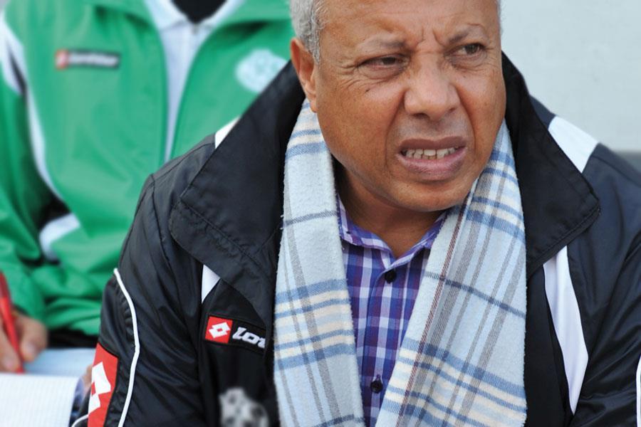 الرجاء البيضاوي ينفصل عن مدربه امحمد فاخر
