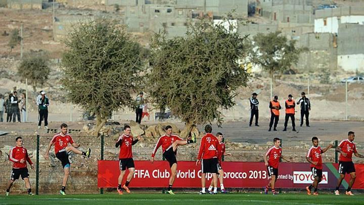 """فريق """"بايرن ميونيخ"""" يتدرب قرب حي صفيحي بأكادير"""