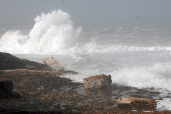 التفسير العلمي للمد البحري العالي الذي ضرب سواحل المغرب