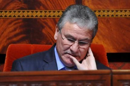 عاجل : وزير الصحة يتعرض للعنف من أطباء حاولوا ضربه داخل البرلمان
