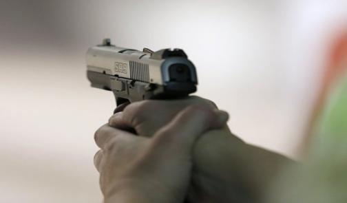 شرطي يضع حدا لحياته باستعمال مسدس زميله