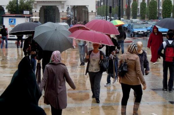 أمطار محليا قوية مع هبوب رياح قوية متوقعة يوم الجمعة المقبل