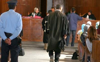 ابتدائية تيزنيت تدين 12 شخصا بالحبس النافذ بسبب نزاع عقاري بين سيدة و شقيقها ، و المدانين يستأنفون الحكم