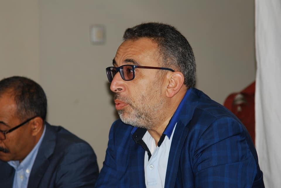 عبدالله غازي :أريد تفسيراً واحداً لأفهم.. لماذا ترحيل المهاجرين الأفارقة من طنجة إلى سوس و تيزنيت تحديداً؟