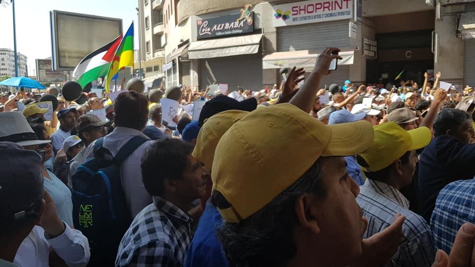إنطلاق مسيرة التضامن مع معتقلي الريف بالبيضاء