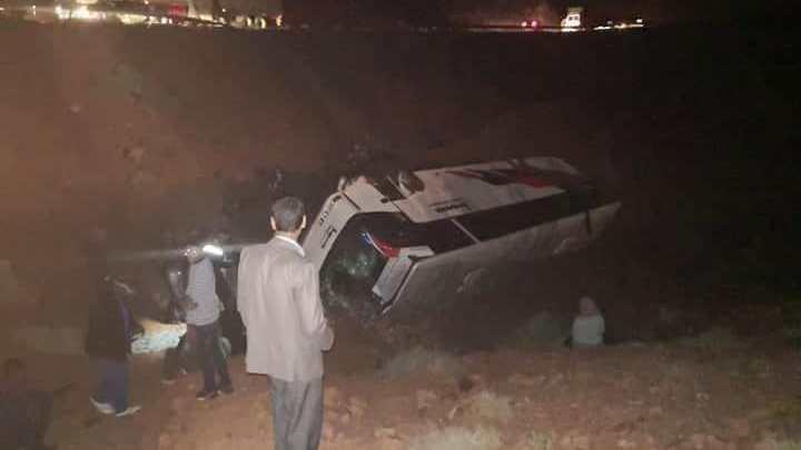 ورززات : مصرع سيدة وإصابة العشرات في حادث انقلاب حافلة