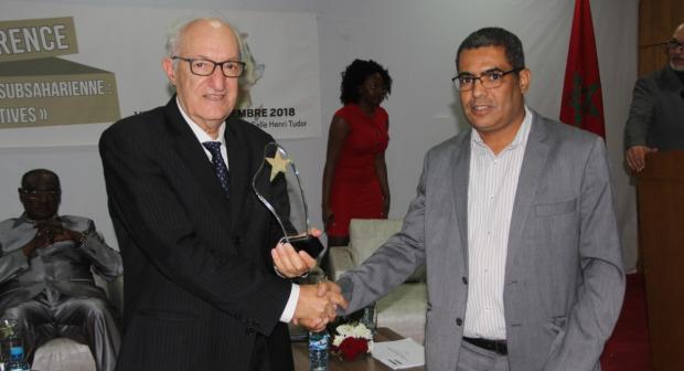 """مؤسسة جائزة الأفريكانيتي"""" تكرم مدير مكتب الأحداث المغربية بأكادير"""
