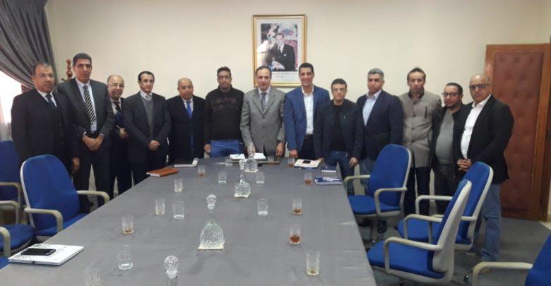 تيزنيت : ممثلو التجار و الحرفيين و المهنيين في لقاء مع عامل الإقليم
