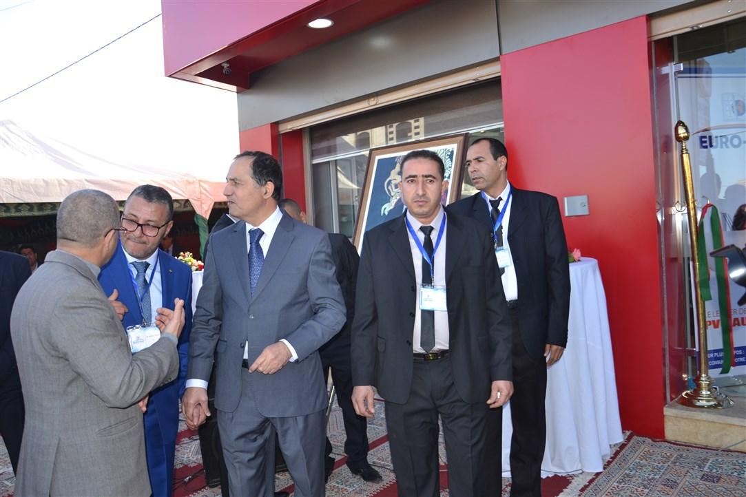 """رائد النجارة العصرية بالمغرب """"EURO-PVC"""" يعيد افتتاح وكالته بتيزنيت بحضور عامل الإقليم"""