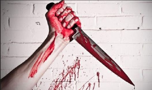 المعدر الكبير : بسبب  « بُولاَ » ..شاب يحاول الانتحار وسط مقر الجماعة باستخدام سكين