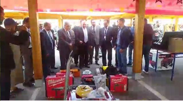"""سيدي إفني : توزيع معدات في إطار """"المبادرة الوطنية"""" مقتناة لفائدة شباب حاملي المشاريع"""