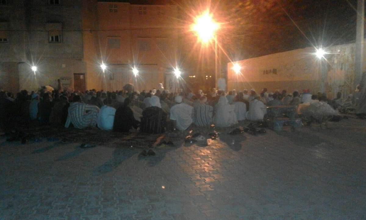 تيزنيت : ساكنة حي تمدغوست تستقبل رمضان بدون فضاء يتسع لهم لأداء صلاة التراويح