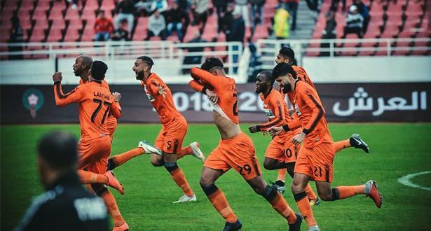 """كأس """"الكاف"""" : نهضة بركان يحقق """"ريمونتادا"""" تاريخية على صفاقس التونسي ويتأهل للنهائي"""