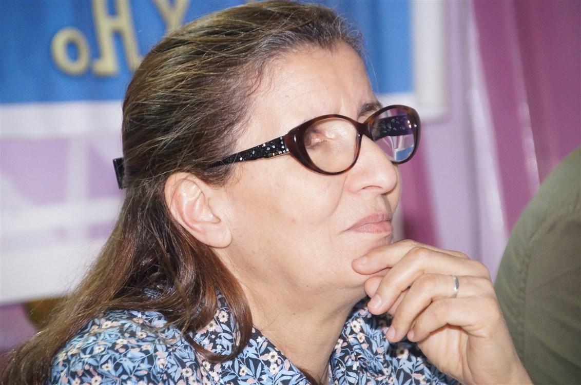 """خديجة الرياضي تُعرّي """"الوضع الحقوقي بالمغرب"""" في لقاء بتيزنيت"""